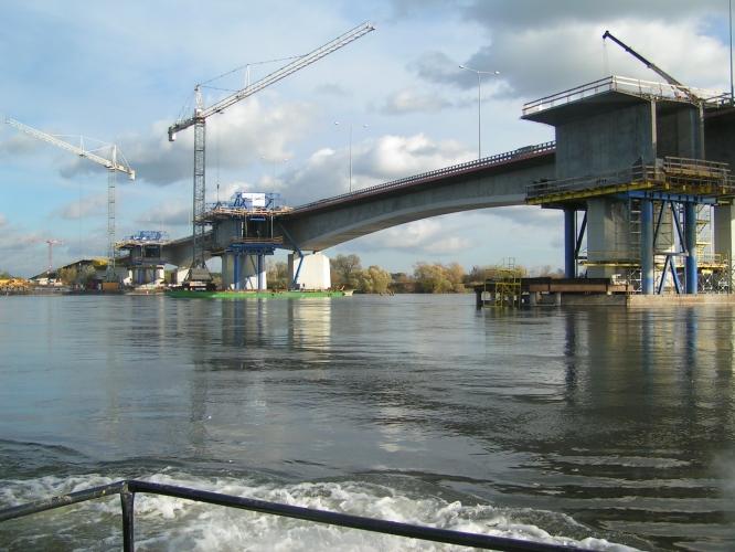 Most w ciągu A-1 (dzisiaj S10) przez Wisłę